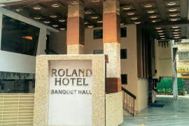 roland-hotel-kolkata-outside-view