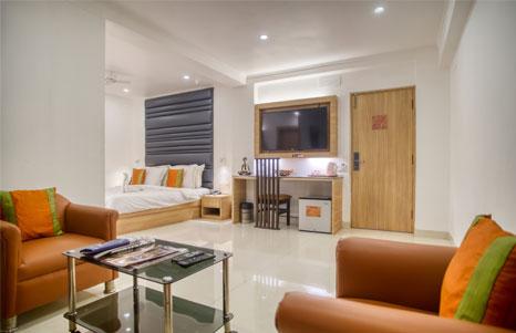 Roland-Hotel-Kolkata-Suite-Room