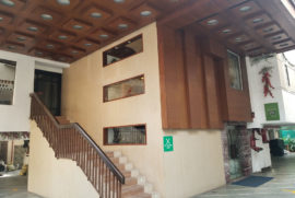 roland-hotel-driveway1