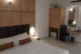 roland-hotel-standard-room1