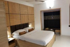 roland-hotel-standard-room7